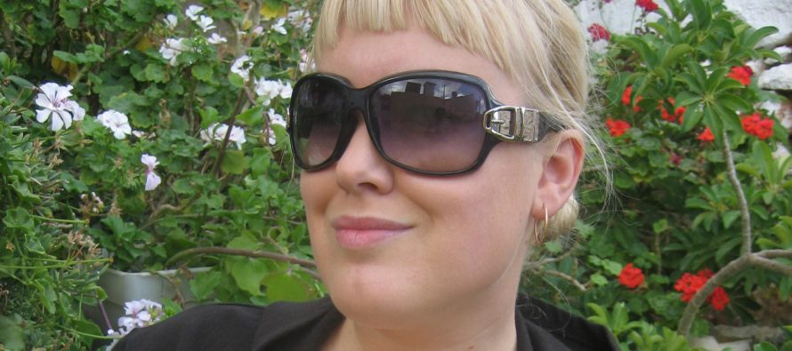 Helena-Reet uudesta Virossa esitettävästä mystiikkaohjelmasarjasta Hüpnotisöör (hypnotisoija): Minä en antaisi kenenkään sormeilla päätäni