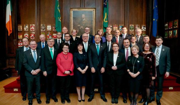 Eduskunnan puhemies Paula Risikko osallistuu Irlannin parlamentin 100-vuotisjuhliin