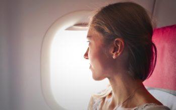 MILLAISIA kauneustuotteita ottaa mukaan lentokoneeseen?