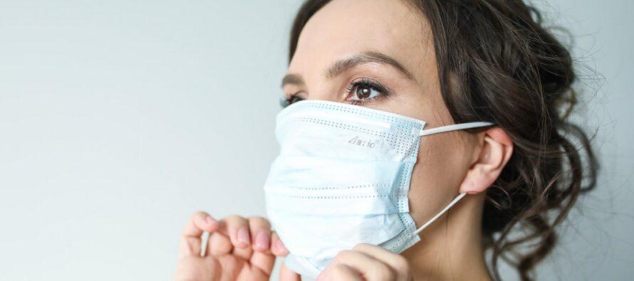 Tuore tutkimus: koronavirus leviää kauemmas kuin viranomaiset väittävät, virus PYSYY ILMASSA 30 minuuttia