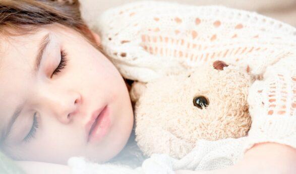 MITEN lapsen saa oikeaan aikaan nukkumaan?