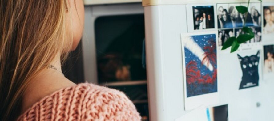 MILLAISIA elintarvikkeita ei saisi säilyttää jääkaapissa?