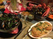 Helena-Reet: FOTOBLOGI + RESEPTIT! Juuri tällaiselta ruokapöytä näyttää, kun kaksi huippukokkia kutsuvat teidät viettämään perjantai-iltaa!