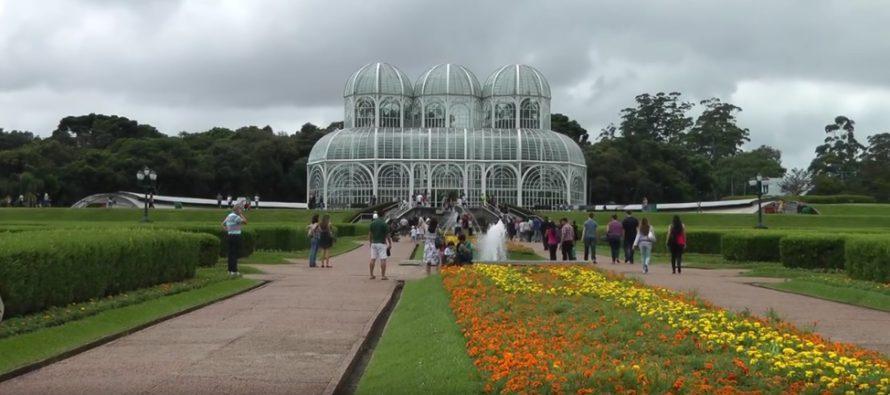 5 MAAILMAN kauneinta puistoa, joissa voi ihailla keväistä kukkamerta